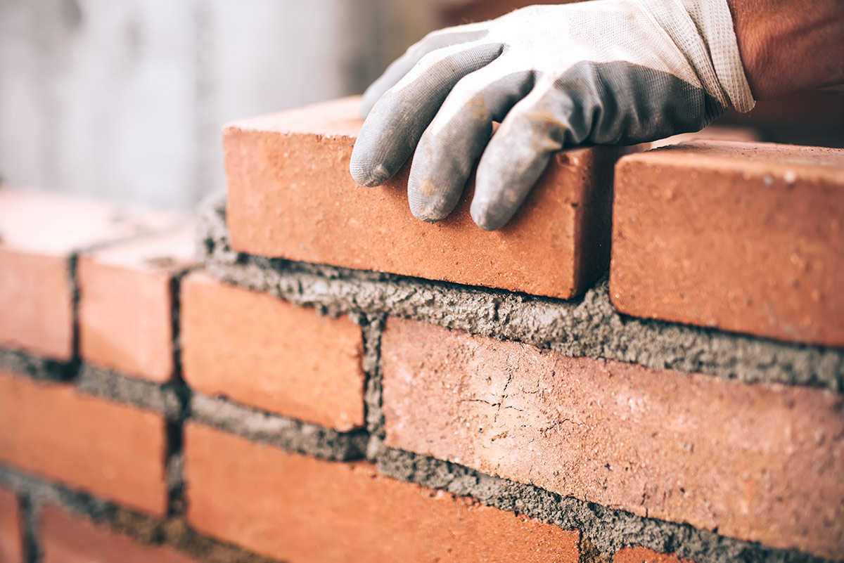 how-much-does-it-cost-to-hire-a-bricklayer-2020